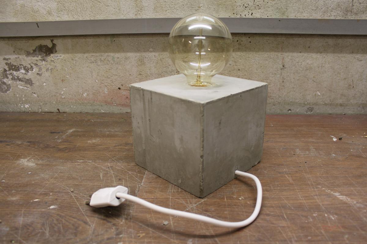 do it yourself betonlampe daytrippers. Black Bedroom Furniture Sets. Home Design Ideas